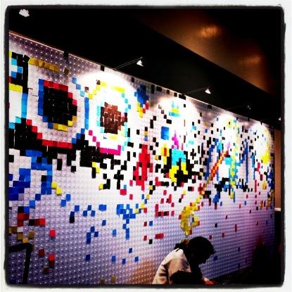 Pixelwand im Moscone Center in San Francisco, anlässlich der GDC 2011